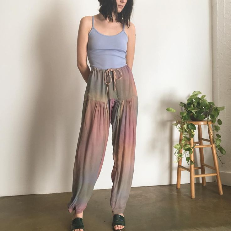 Incredible 1970s hand dyed silk harem pants from India. Adjustable drawstring waist and will fit size 2-4. $62 + shipping. First to comment with postal code for purchase. SOLD 🌿