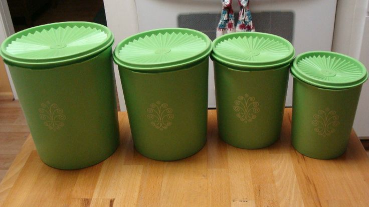 vintage tupperware canister set apple lime green 4 canisters w lids made in usa cuisine. Black Bedroom Furniture Sets. Home Design Ideas