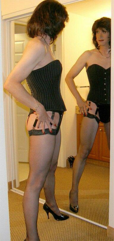 Lesbian for femme women bois looking