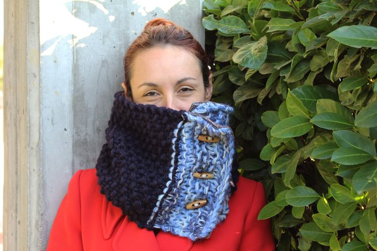 Handmade, knitted, woolly,blue and brown neckwarmer with buttons * Scaldacollo a maglia blu e marrone by asilehandmadewlove on Etsy