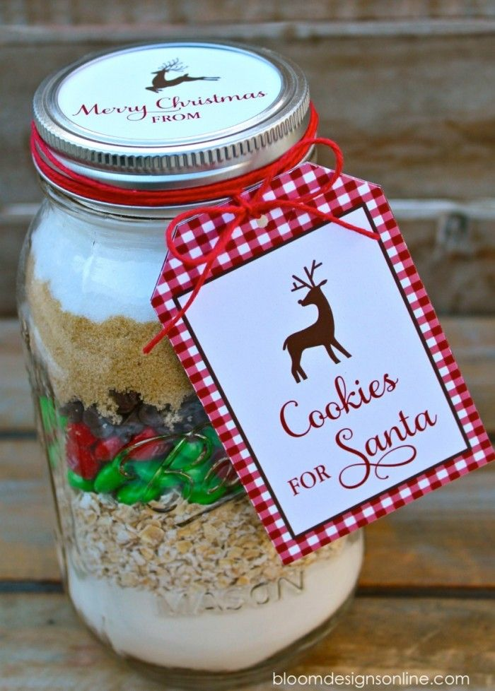 Christmas Cookies for Santa in Mason Jars with free printable tag