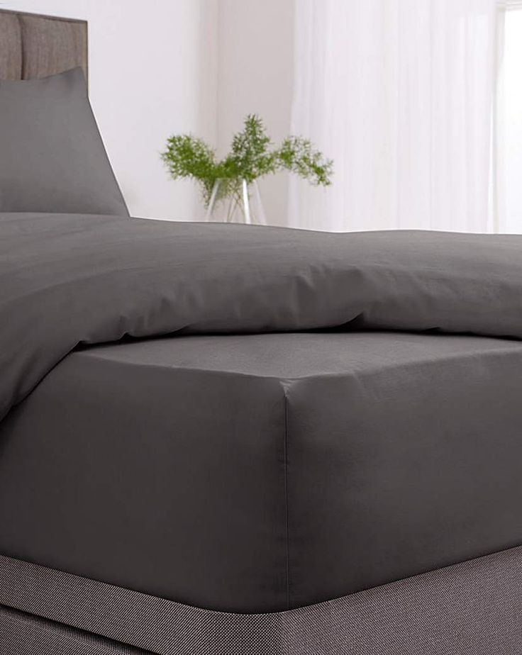 Easy Care Plain Dye Fitted Sheet In 2021 Fitted Sheet King Size Sheets Modern Colors