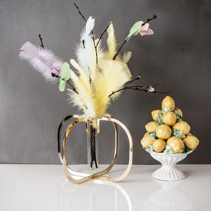 Easter inspiration - One vase gold