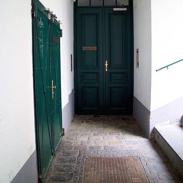 uzak değil dünyanın kapıları 🌿