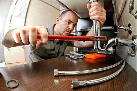 Come riparare le perdite nei tubi dell'acqua