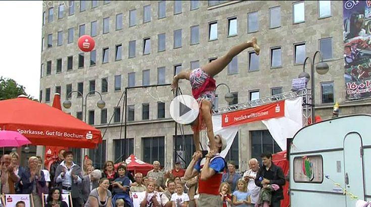 Open Flair 2011 - Das Festival der Kleinkunst mit Gauklern, Akrobaten, Artisten und Komikern auf dem Dr. Ruer-Platz in in Bochum.