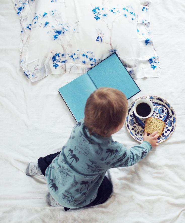 Ingrid Holm blog - white and blue bedsheets