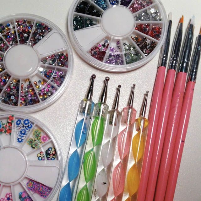 Get your nail art tools right || 5 top tips for nail art beginners: http://sonailicious.com/best-nail-art-tips-strawbrie-salon/