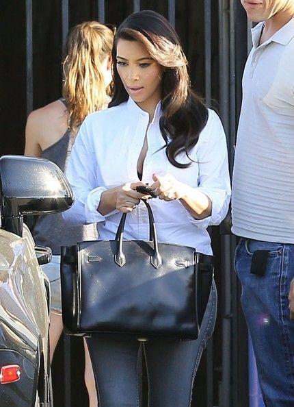 Kim Kardashian Photos Photos Kim Kardashian Leaves A Studio Studios Kim Kardashian And Gray