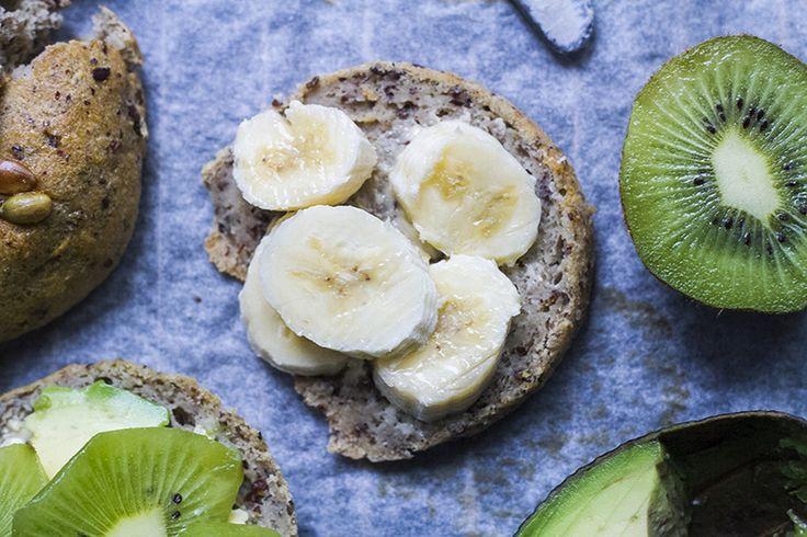 Scones - Fri från: Dom här godingarna är utan gluten, socker, nötter, mjölk och ägg. Om du inte har teffmjöl eller quinoamjöl hemma så bör det gå lika bra med bovetemjöl t.ex.