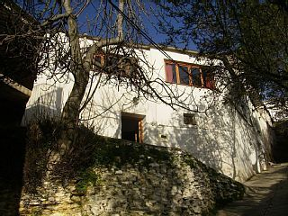 Escape ..to this Unusual reformed village house in rural Spain.Walkers paradise.