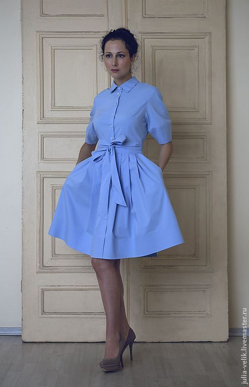 Купить или заказать Платье 'Голубая Кровь' в интернет-магазине на Ярмарке Мастеров. Идеальное платье для идеальной женщины по мотивам 50-х гг. Высокий стандарт, не правда ли? У Вас будет все: тонкая «осиная» талия, женственные округлые плечи, приподнятая грудь, словом, небезызвестный силуэт «принцессы» подчеркнет все Ваше изящество и очарование, а небесно-голубой оттенок – цвет глаз. В комплекте: длинный пояс в два оборота. Рекомендовано: разбавить наряд милым акцентом в виде бабочки с…