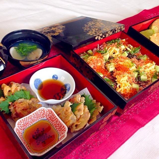 ひな祭りパーティーにどうぞ… - 57件のもぐもぐ - 桜海老御飯の鮭散らし寿司、はまぐりと菜の花のお吸い物、豚肉と蓮根のかき揚げ、栗入りどら焼き(抹茶風味) by Atelier de cuisine