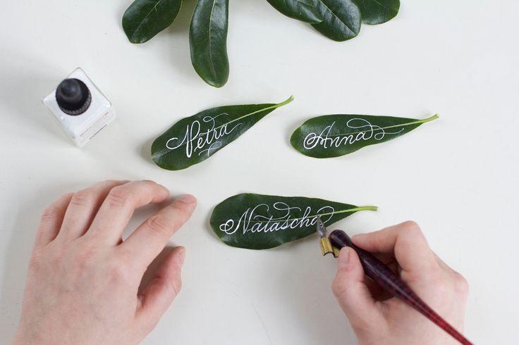 kalligraphie diy blättertischkärtchen  tischkarten