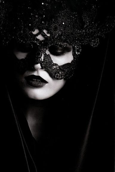 Black Lace Valentino Couture Mask. So beautiful.