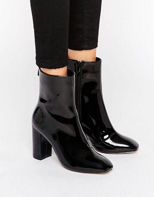 Black shiny boots #blackboots