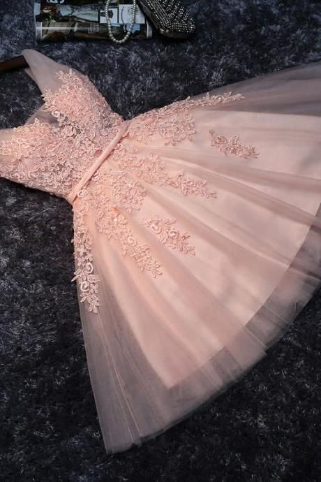 Princess Lace Appliqued Homecoming Dress,Tulle Homecoming Dress,Blush Pink Short Bridesmaid Dresses,Short Prom Dress,Short Graduation Dress,Mini Dresses,H008