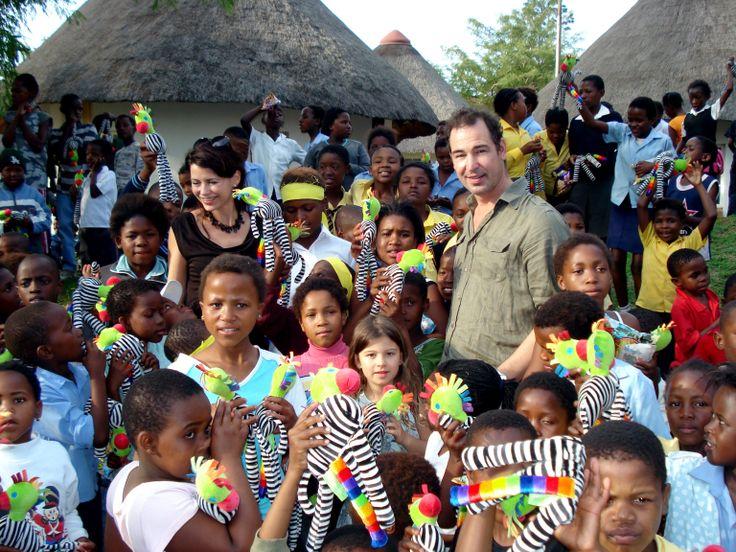 Erik de Vogel en Caroline De Bruijn voor The Cuddle Company in Zuid Afrika. Regie & fotografie: Dennis Brussaard