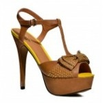 Zoom T-bar sandal with gold studs embedded on bow form R559