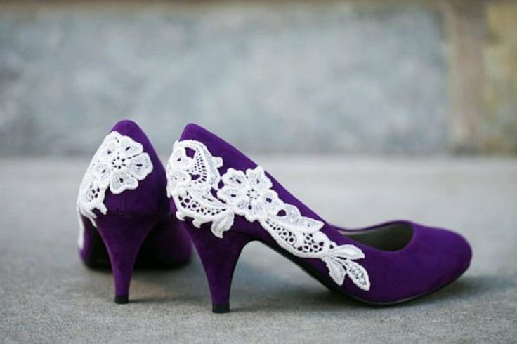 Purple Wedding Shoes   Photo Gallery of the Spanking Purple Wedding Shoes