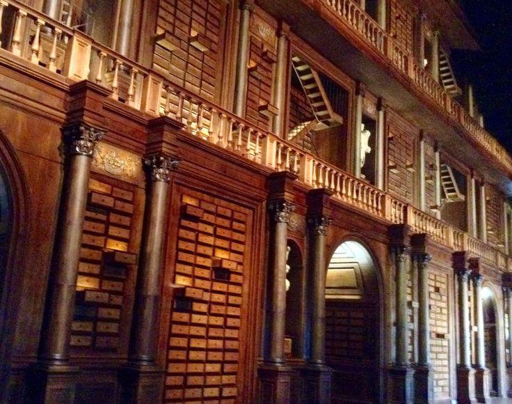 @PadiglioneZero @Expo2015Milano i cassetti della memoria e le scale di Howgarts ☺️ #magia!
