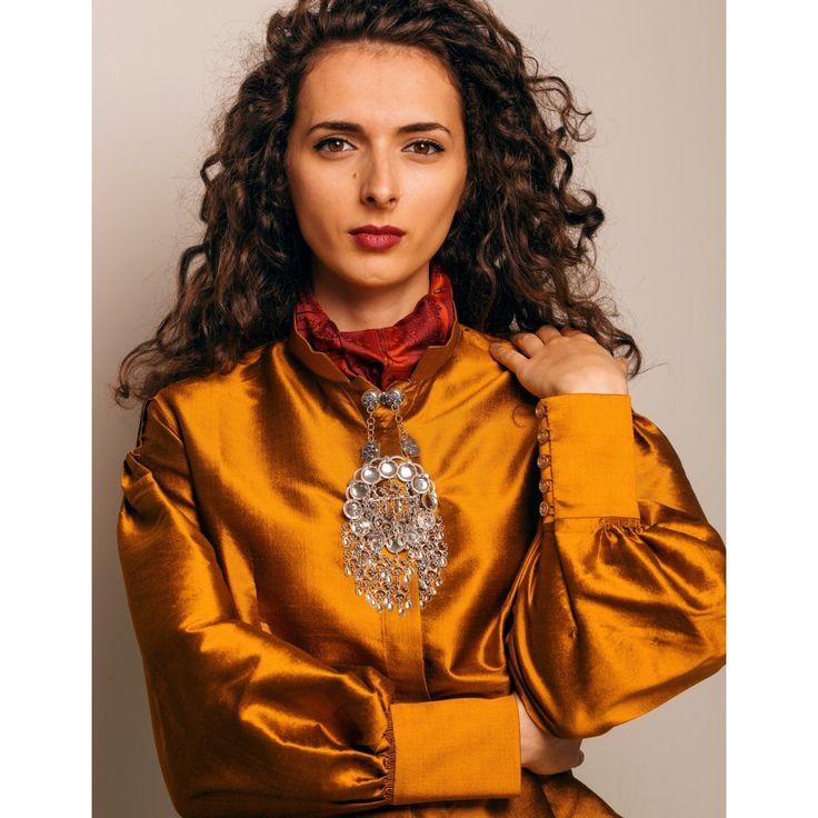 Bilderesultat for silke damask bunad