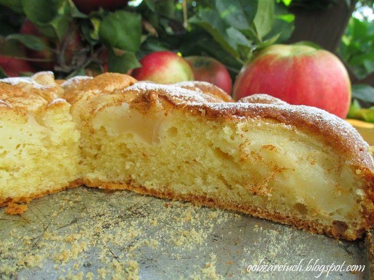 Obżarciuch: Jogurtowe ciasto z jabłkami