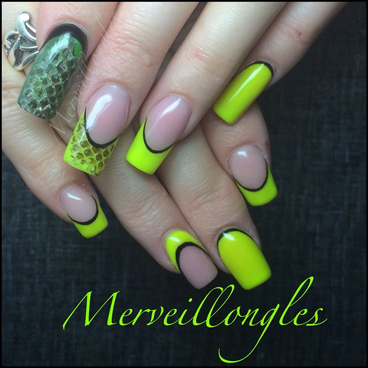 serpent gel uv fluo jaune faux ongles nails pinterest unhas. Black Bedroom Furniture Sets. Home Design Ideas