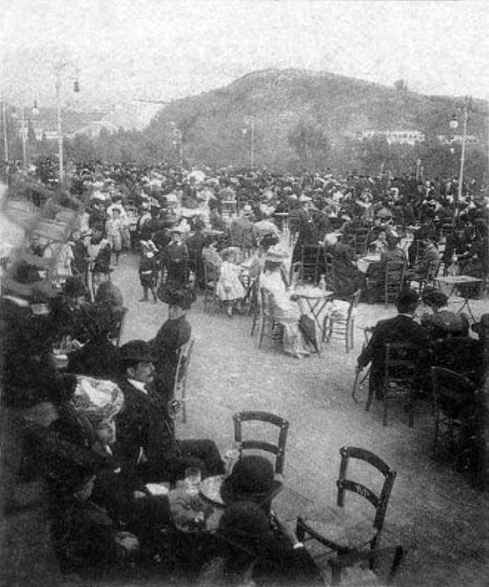 Βενέδικτος Πετράτος, 1906, Αθήνα, αθηναίοι αστοί σε αναψυχή στα καφενεία του Ζαππείου κατά την περίοδο της Μεσολυμπιάδος.