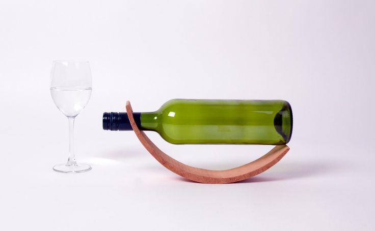 """""""Wine flies when you're having fun!"""" MDWine03 - Wijnhouder via Mooiedroom.nl"""