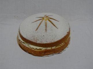 In de jaren 70 kwam de Sneeuwster. Een taartje met biscuit deeg, advocaat, slagroom en poedersuiker