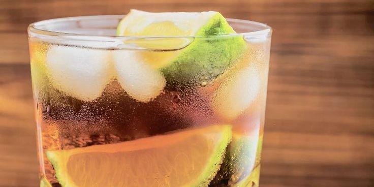 Frisk og enkel å lage, med cognac, ingefærøl og lime.