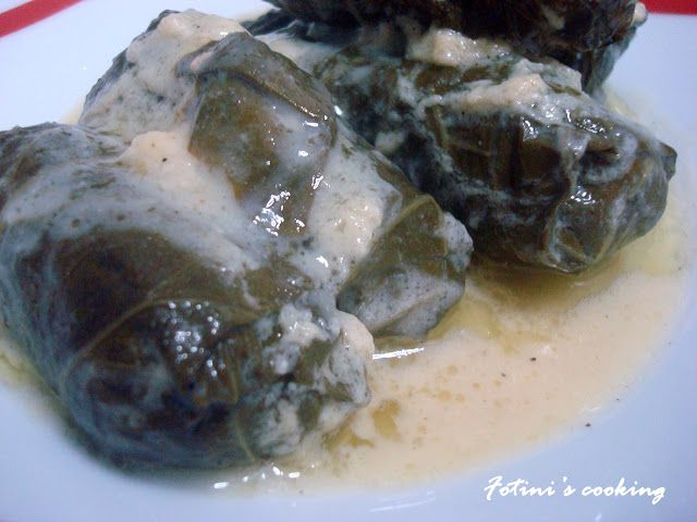 Fotini's cooking: Ντολμάδες μαύρου λάχανου με κιμά και αυγολέμονο
