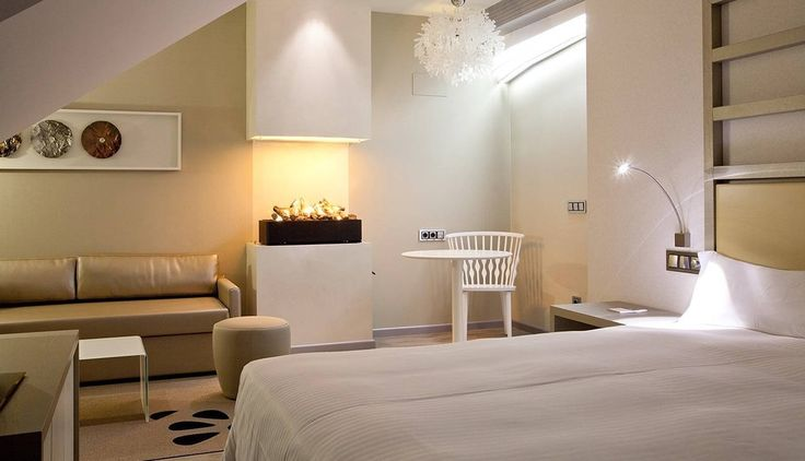 <br>Fiorella designed by Nigel Coates lights up the exclusive rooms of Hotel Princesa Munia (Oviedo, Spain)