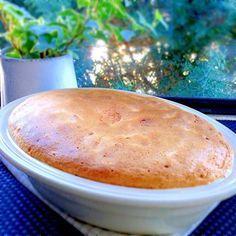 こんにちは今日は、お休み❤️何かおやつでも作ろうかな~そうそう!頂き物の美味しい林檎あったから、これでアップルパイでも作ろっとでも、普通のアップルパイじゃ私らしくないからお~!アップルパイの神が降りてきた!大好きなアフタヌーンティーのアップルパイを作ってみよ~~アフタヌーンティーのアップルパイ風アップルパイ⁉︎~ん?何か日本語おかしい?…笑アップルパイレシピ材料りんご3個お砂糖①80g(グラニュー糖)レモン大さじ1~2バター30gシナモンパウダー小さじ1パン粉50gアーモンドプードル50gアーモンドスライス50g卵4個。好みで、3個でも砂糖②80gとかしバター30g~コンポート作り~❶りんごは皮をむいて8個に切り3...
