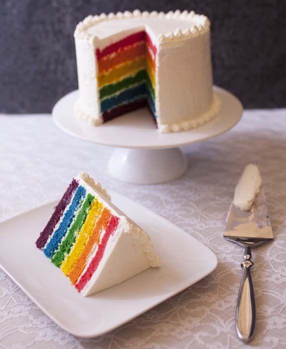 Rainbow cake (layer cake arc-en-ciel)