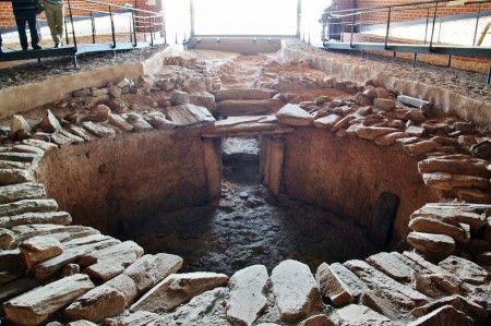 Sepulcro prehistórico de Huerta Montero descubierto en 1988 en un campo de cultivo y abierto al público en 2011.