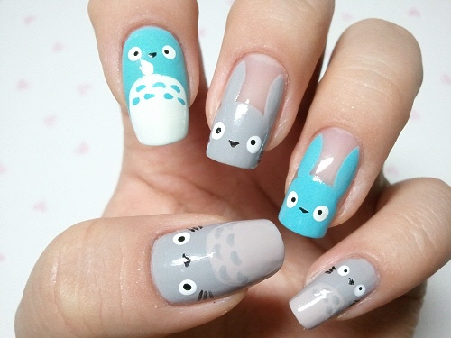 Totoro Nail Art Tutorial at 네일아트 No.163 이웃집 토토로 네일아트 :: 네이버 블로그.  Lots of amazing nail art tutorials on this site.  Now I'm inspired to try nail art!