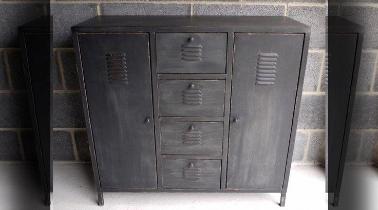 Les 25 meilleures id es de la cat gorie armoire m tallique sur pinterest vestiaire metallique - Armoire metallique noire ...