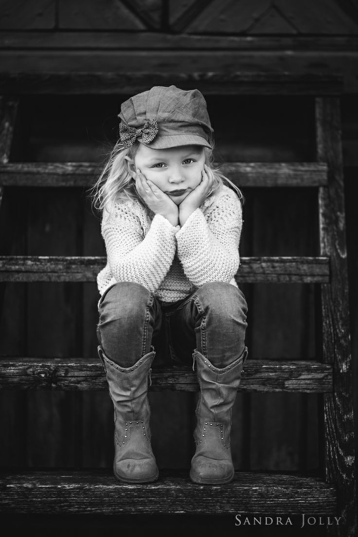 Sandra Jolly Photography_Elina on steps.jpg