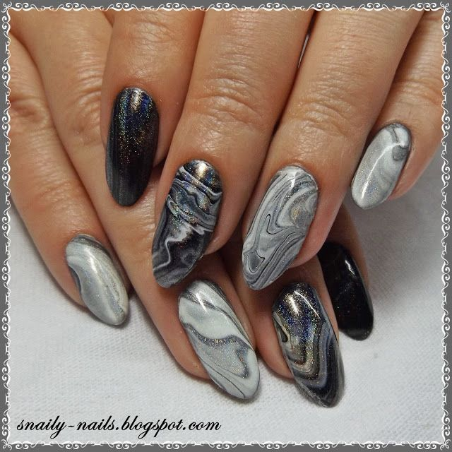 Holographic marble nails