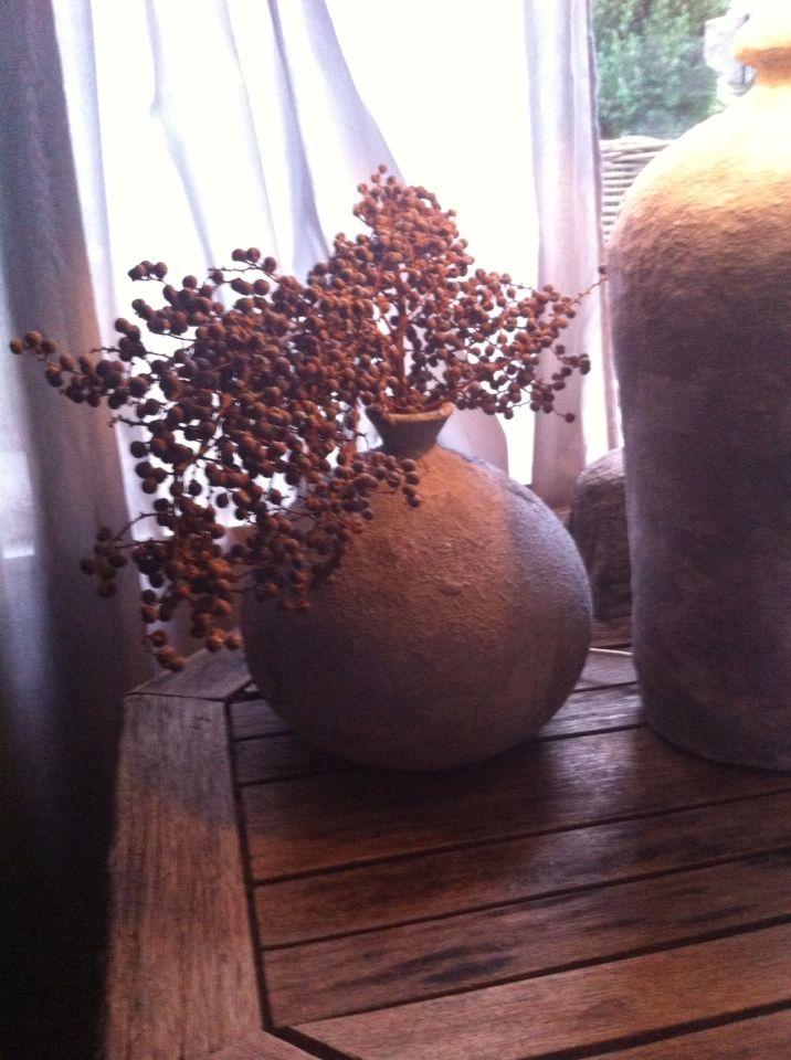 Kalkverf, koffie prut, zand en bakpoeder
