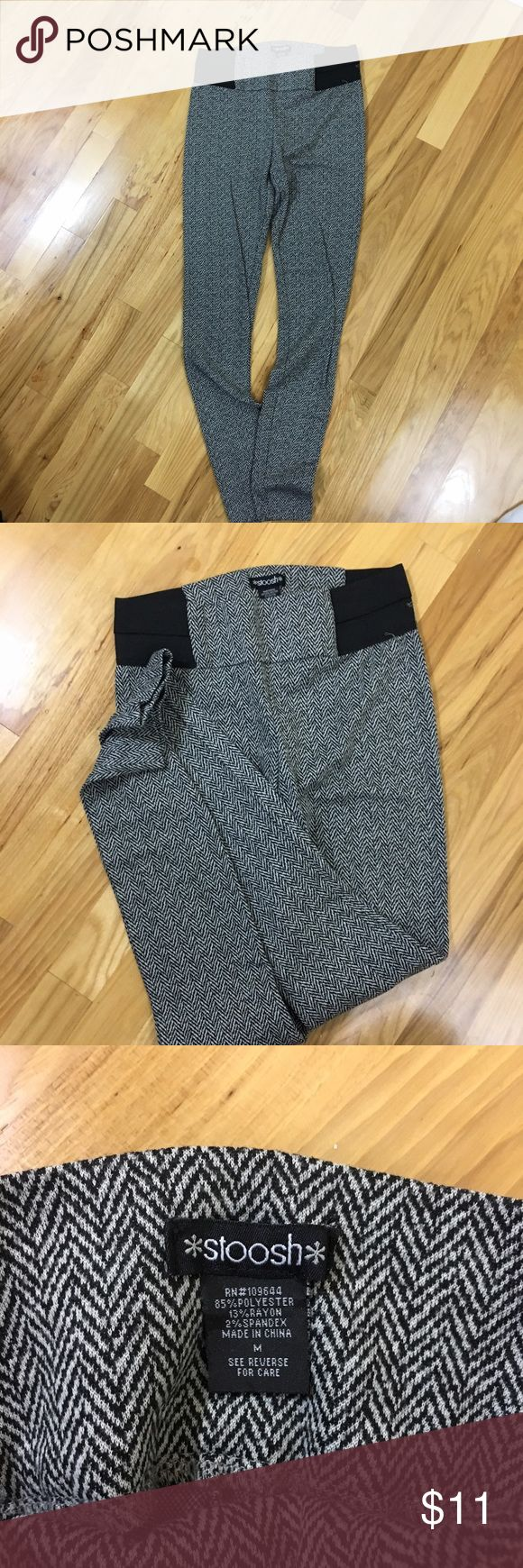 Women skinny pants size medium Women size medium skinny pants purchased from Macy's. Runs a bit small so if you are size small this is perfect for you. Can wear it at the gym too! Stoosh Pants Skinny