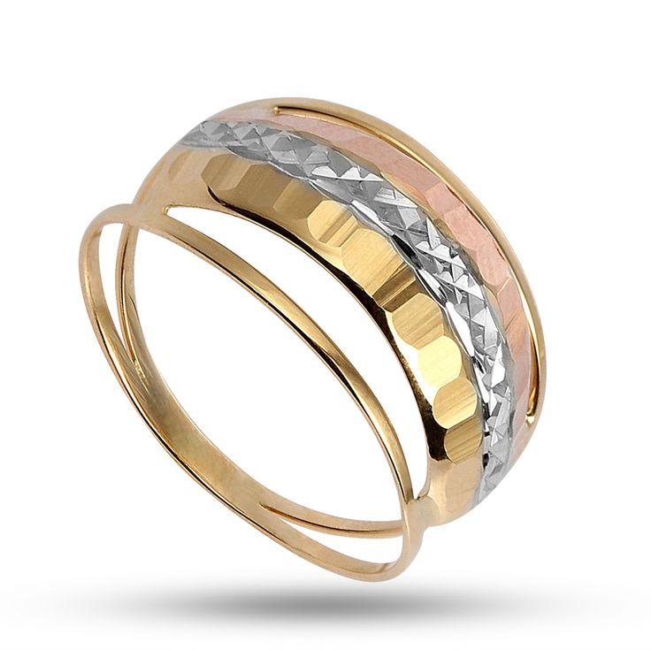 Anel de ouro diamantado e martelado