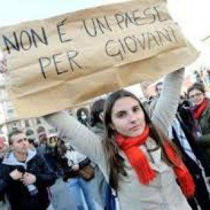 Nel 2014 sono stati oltre 90mila gli italiani che hanno cambiato residenza, più della metà dei quali under 40. Le principali mete di destinazione sono state Regno Unito, Germania e Svizzera. Milano è la città da cui si parte di più, ma il fenomeno è maggiormente in crescita a Roma, Palermo e Napoli