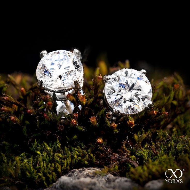 Brilliant gift idea? Some diamond earrings maybe!! #diamantohrringe #ohrstecker #brillanten #diamanten #yorxs
