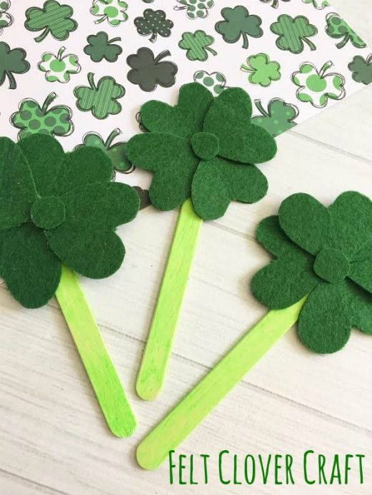 This Felt Clover Craft is a fun and easy craft to make for St. Patrick's Day!