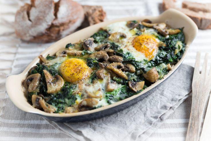 Terrina di pane, uova, funghi e spinaci ricetta