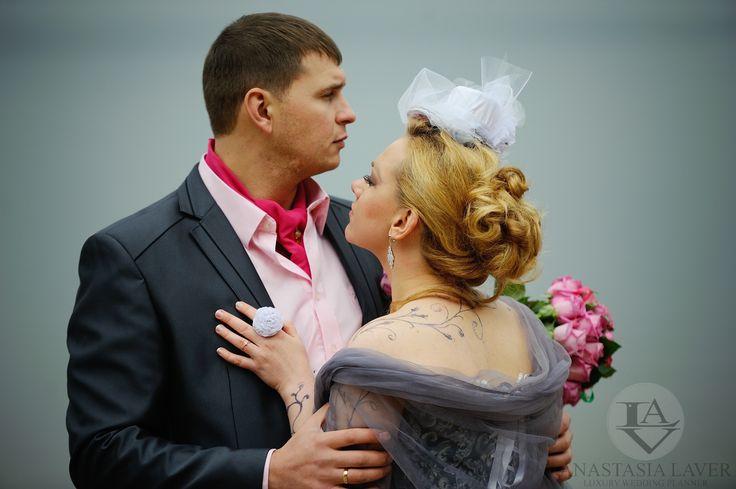 Нежные и трепетные чувства друг к другу всегда будут самыми сильными. Чудеса всегда происходят вовремя! А как случается у вас? Она психолог. Он экономист и инженер. Но оба творческие и неугомонные. Она любит творить и вытворять. А он играет в театре и виртуозно обращается с гитарой.   #weddingvip #follow #celebration #luxury #bride #love #style #life #unique #свадьбаотанастасиилавер #party #weddingparty #Minsk #Moscow #celebration #happy #fantasy #dreams #flowers