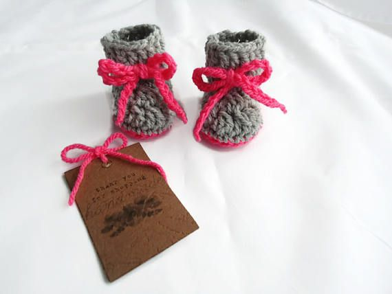 Newborn booties gift Grey-coral booties Handmade baby shoes Granparents reveal Announcement gift Crochet shoes Baby gift ideas Gender reveal